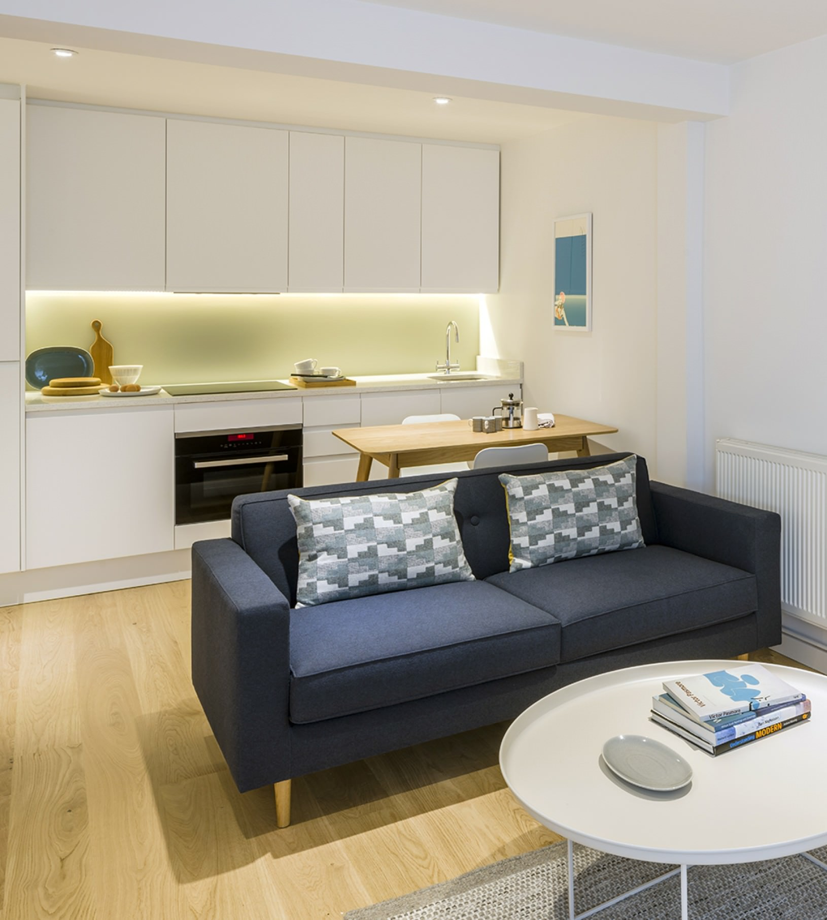 Fulham Road Apartments blue Case sofa